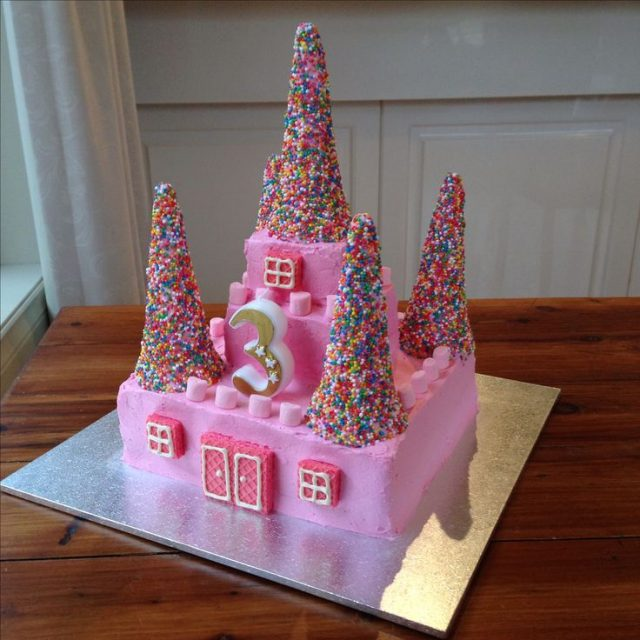 Birthday Cakes for Girls and Women – castle