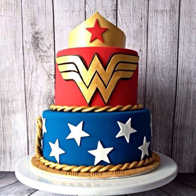 Birthday Cakes for Girls and Women – wonder woman