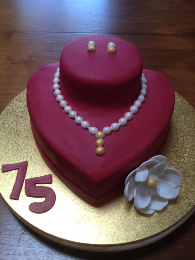 Elegant Birthday Cakes For Girls And Women