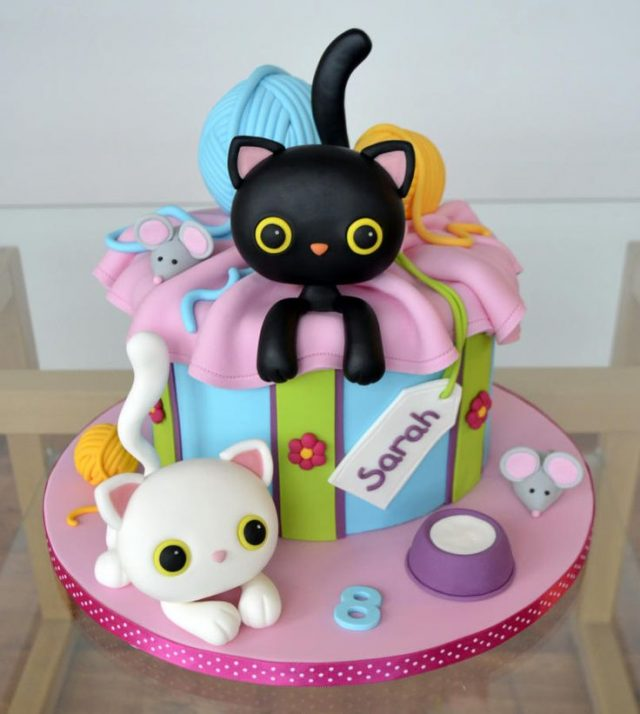 Kitten birthday cake