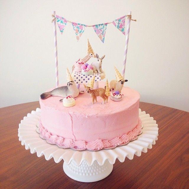 Pinky birthday cake