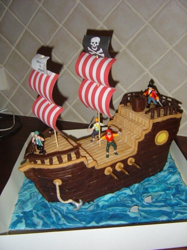Pirate Birthday Cake for Little Boys